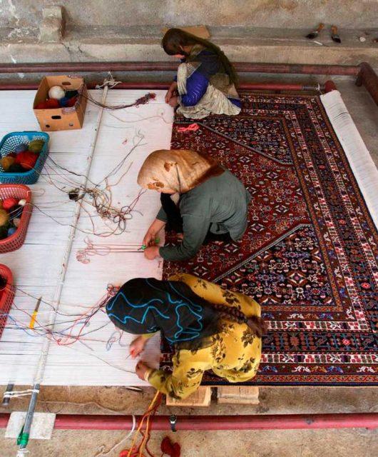 Bazhars presenta nueva Colección Korgin alfombras anudadas a mano