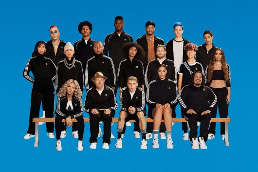 "adidas Originals ""Change Is a Team Sport"" (El Cambio es un Deporte de Equipo)"